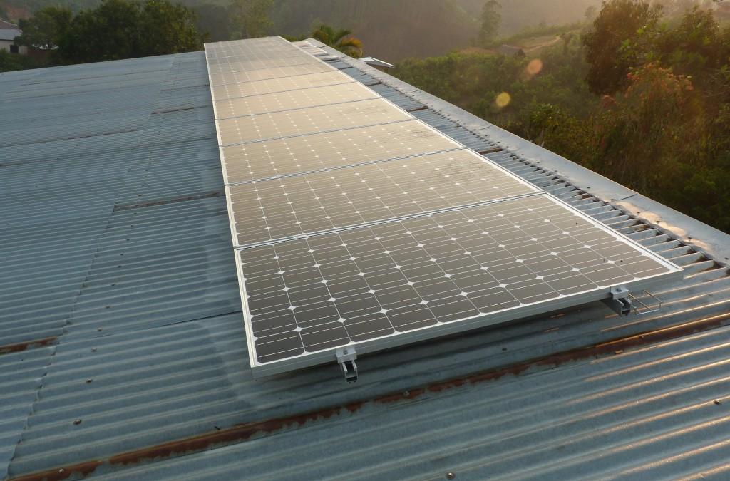 Electrification par panneaux photovoltaïques du centre école d'Ambatofotsy